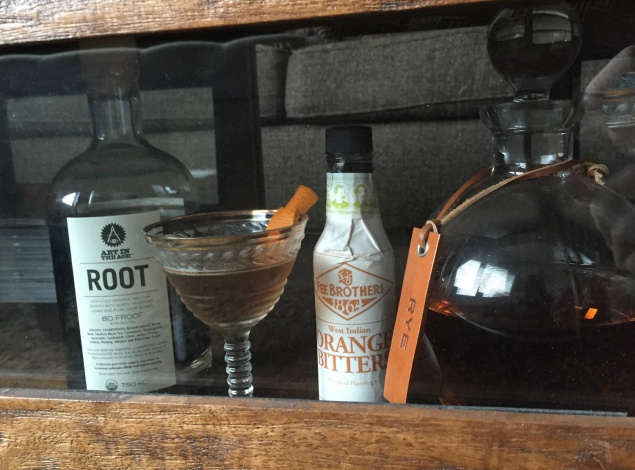 the dapper style cocktail rye and root